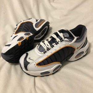 Air Max Tailwind 4 GS 'Metro Gray' Size Y6/W7.5